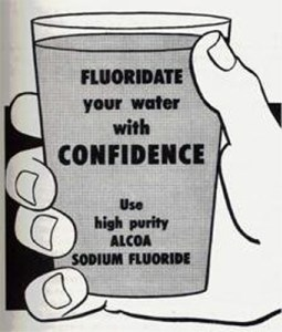https://i2.wp.com/www.chrisbeatcancer.com/wp-content/uploads/2010/09/fluoridate_your_water_with_confidence.jpg?resize=255%2C300